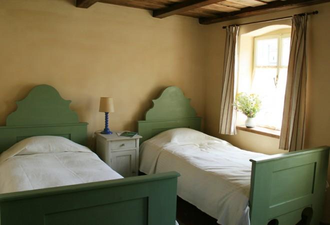 760793-copsamare-guesthouses-hotel-transylvania-romania