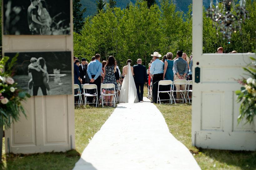 wedding ceremony captured by Calgary wedding photographer Tara Whittaker