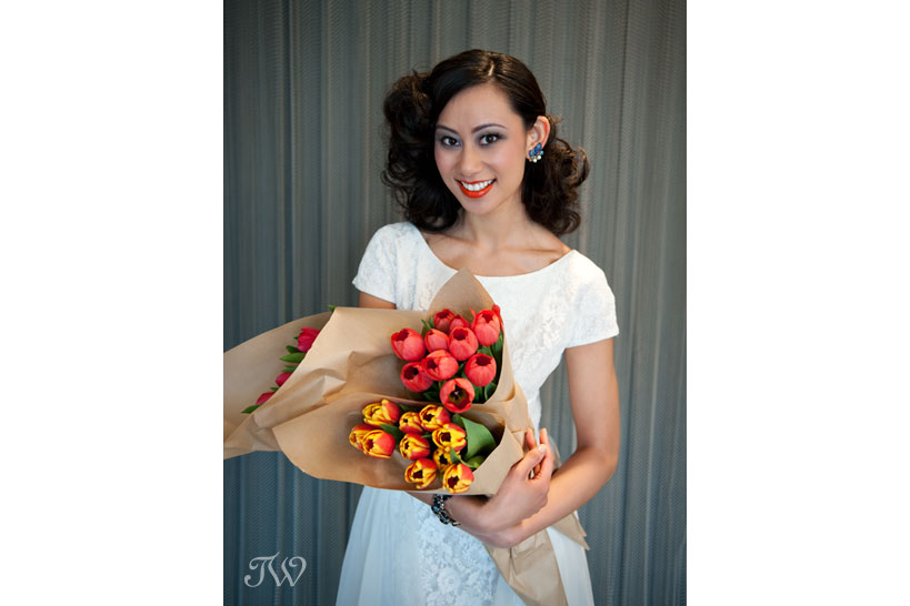 tulip-wedding-bouquets-calgary-wedding-photographer-05