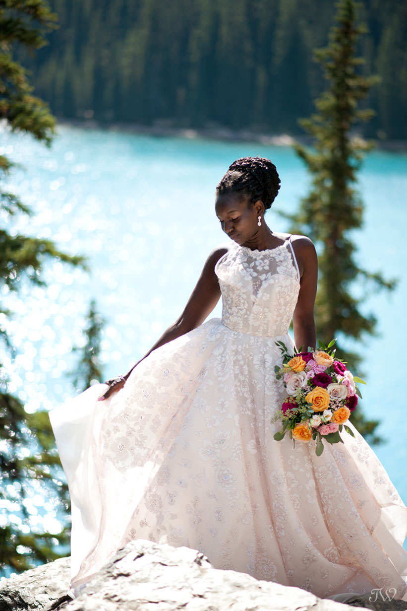 Moraine Lake bride Debol above the lake captured by Tara Whittaker Photography