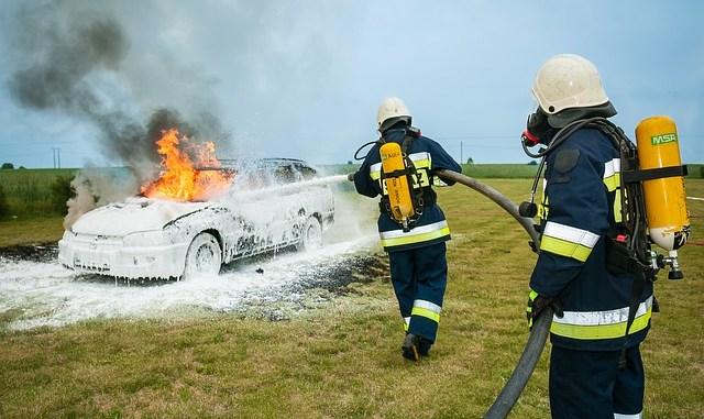 A64 Toulouse Tarbes. un feu de voiture provoque un incendie