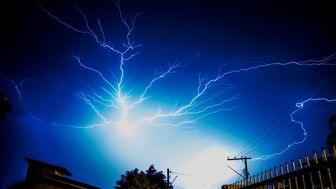 Les orages arrivent sur Tarbes, les Hautes-Pyrénées en alerte météo vigilance orange