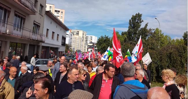 Forte mobilisation à Tarbes. 3500 manifestants pour la défense des services publics