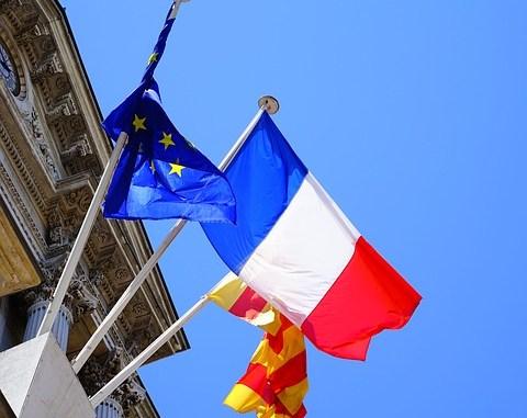 La préfète des Hautes Pyrénées accueille 41 nouveaux citoyens Français