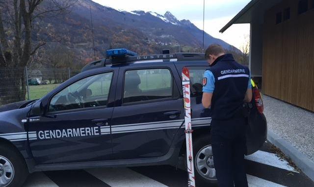 Un skieur retrouve ses skis volés à la braderie de Luz