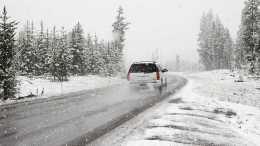 5 conseils pour conduire en voiture sur la neige