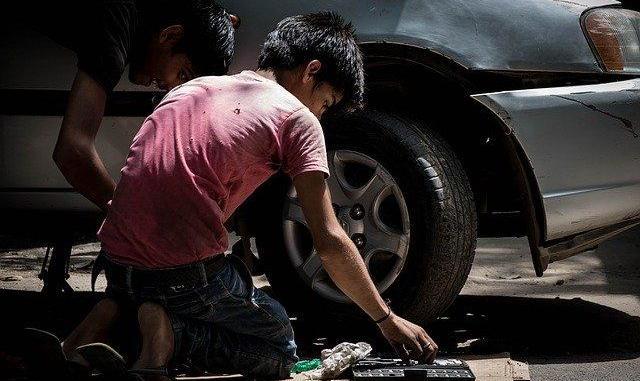 Coronavirus la crise économique va forcer des millions d'enfants à travailler