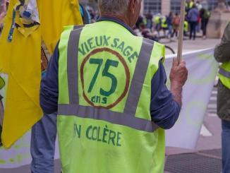 Les Gilets Jaunes ont manifesté à Tarbes pour dénoncer les violences policières