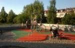Malusieński placyk zabaw otwarty w 2011 r. przy ul. Strenhela. W krakach za nim powstanie przedszkole fot. targowek.to