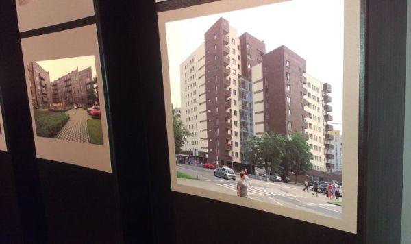 Jedno ze zdjęć na festiwalu Warszawa w budowie przedstawia budynek przy Osowskiego
