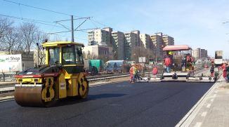 Nowiutki, jeszcze ciepły asfalt