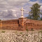 Zbudują dojście do ukrytego cmentarza na skraju dzielnicy?