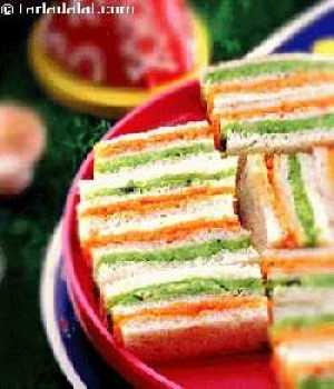 Tricolor sandwich - 50+ Ideas for India Independence Day Party, August 15th - craft, Books, recipes & national symbol craft - Tiger, lotus, mango, banyan tree, peacock crafts