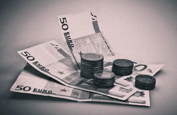 Tarot argent sur téléphone mobile