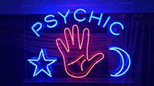 5 Types Of Psychic Tarot Readers To Avoid