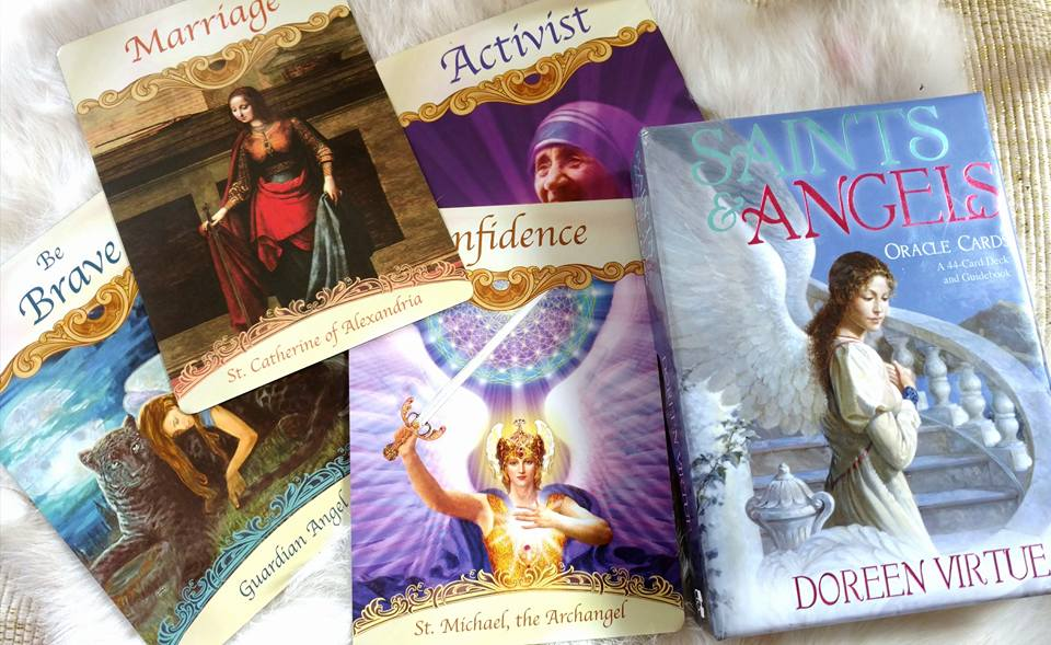 Tarot & Oracle Cards The Difference ⋆ Tarot By Emilie