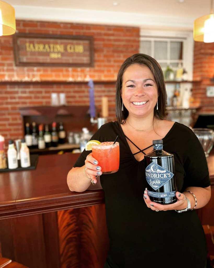 full bar at the Tarratine in Bangor