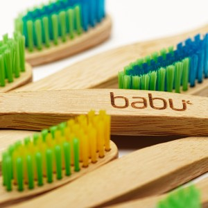 Escova de dentes e acessórios