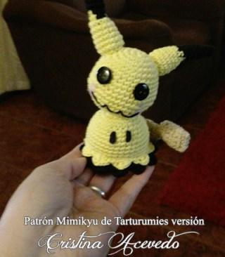Patrón Pokémon Mimikyu de Tarturumies versión Cristina Acevedo