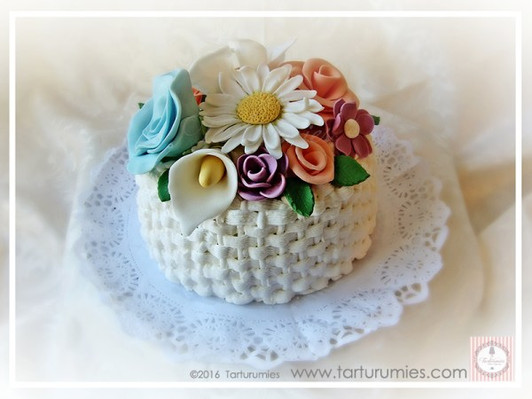 Basket Flowers Cake