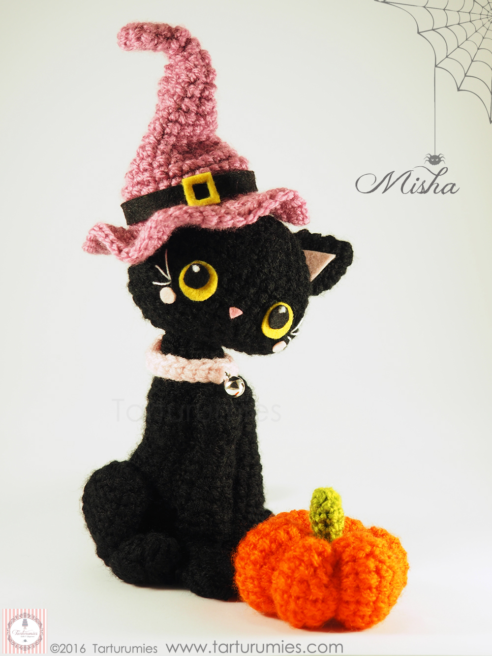 Crochet Amigurumi Halloween Black Cat Patterns (FREE) | BeesDIY.com | 1333x1000