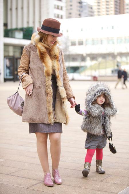 https://i2.wp.com/www.taryncoxthewife.com/wp-content/uploads/2011/02/fur-child-street-style.jpg