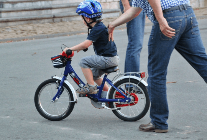 Tips to teach your kids learning riding bicycle