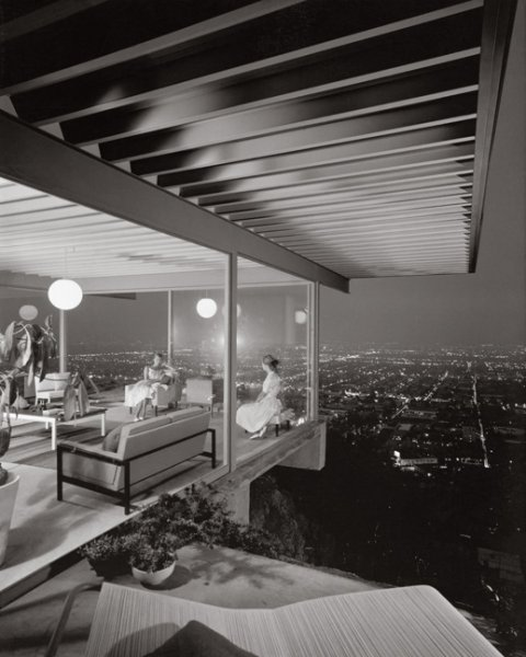 Case Study House No. 22, by Julius Shulman (1960)