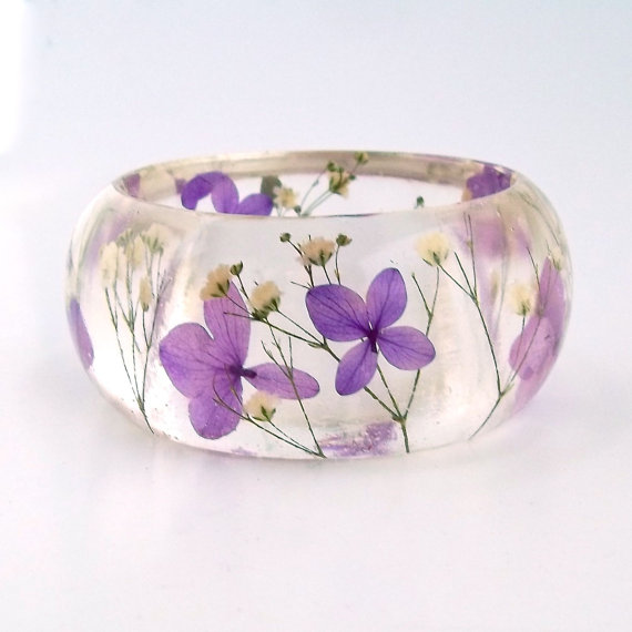 Purple Hydrangea & White Baby's Breath Resin Bangle