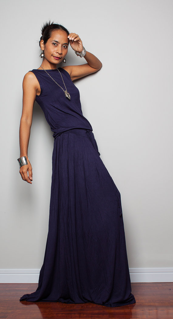 Sleeveless navy blue maxi dress