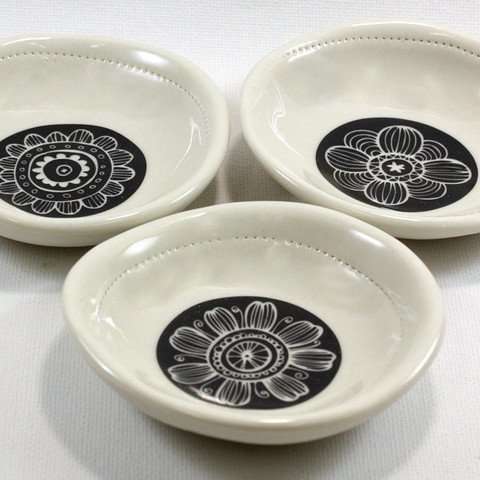 dishy-dish-flower-designs-raw-ceramics