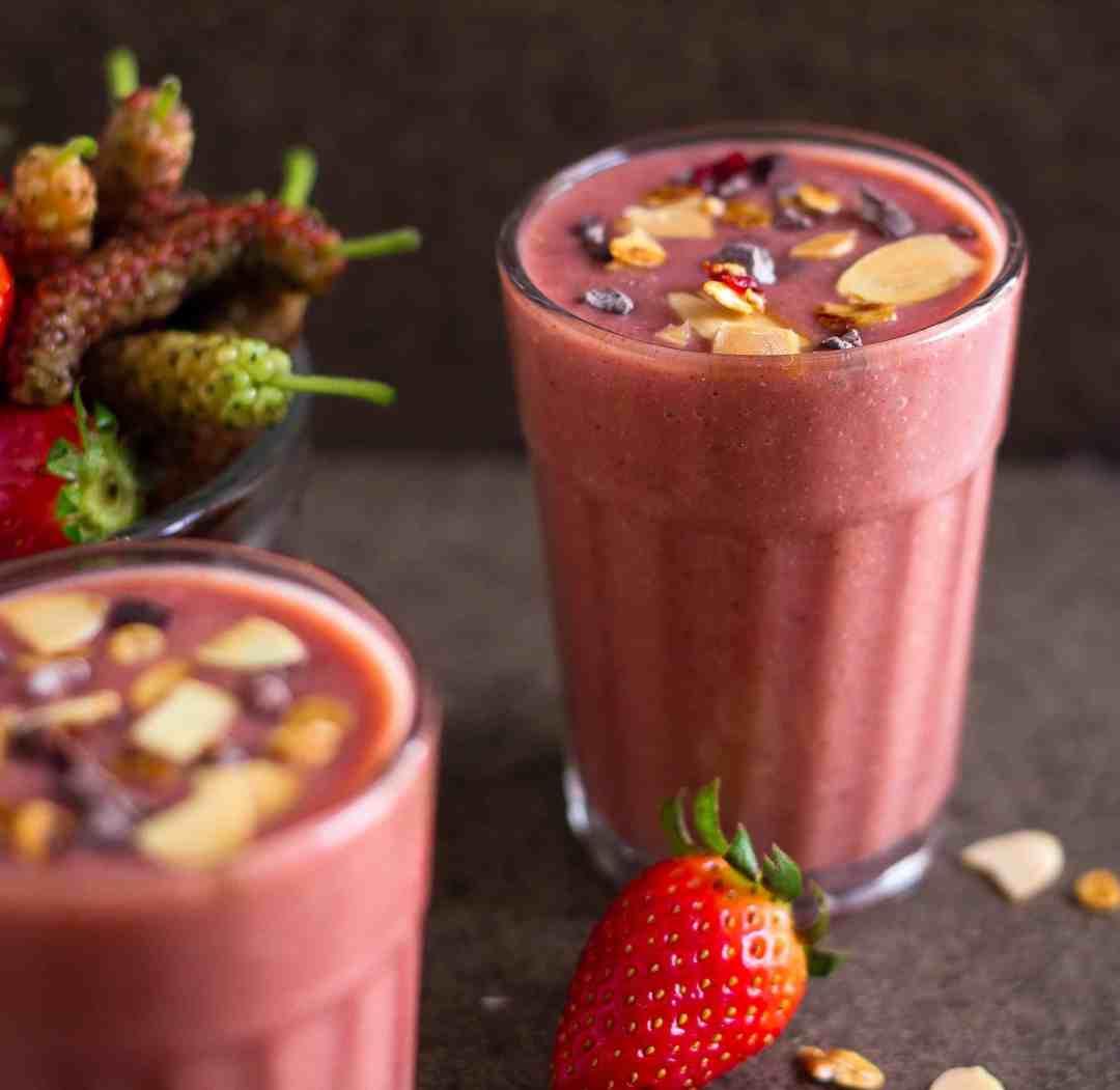 Mixed Berry Smoothie healthy fruits seasonal yogurt probiotic
