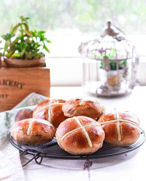 Hot Cross Buns | Vegan Eggless easy Easter recipe