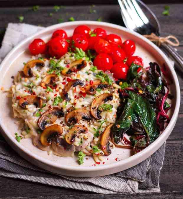 Pasta in Creamy Mushroom Sauce Easy vegan recipe