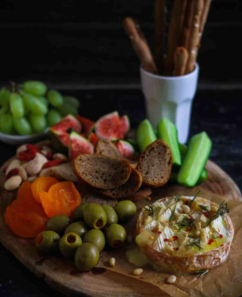 Baked Camembert with Rosemary easy party appetizer