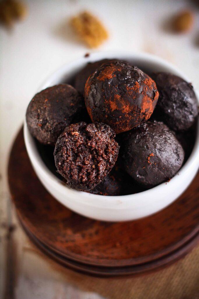 Fudgy Brownie Bliss Balls vegan glutenfree refined sugarfree chocolate treats