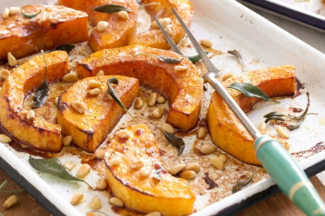 Roasted pumpkin with pine nuts