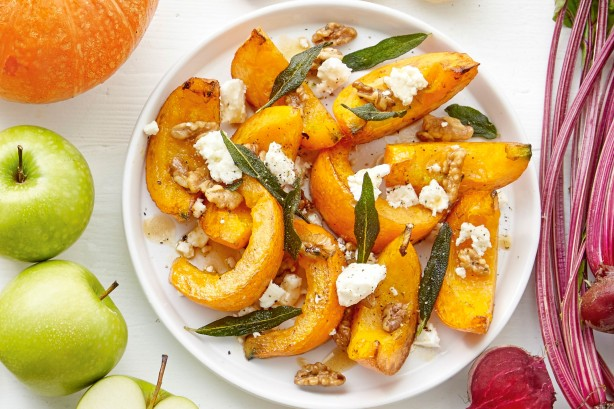 Pumpkin wedges with feta