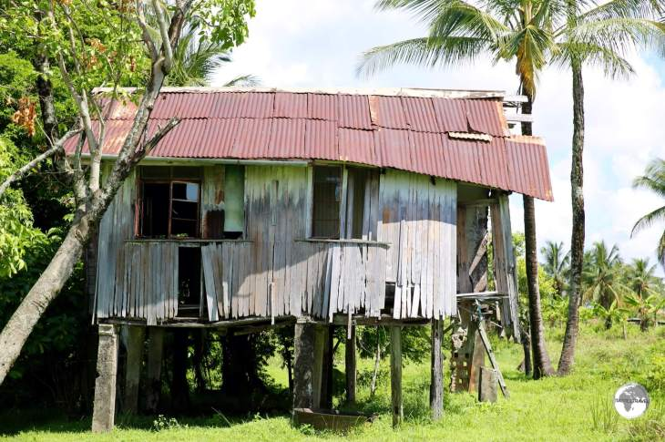 One of the many abandoned cottages on Leguan Island.