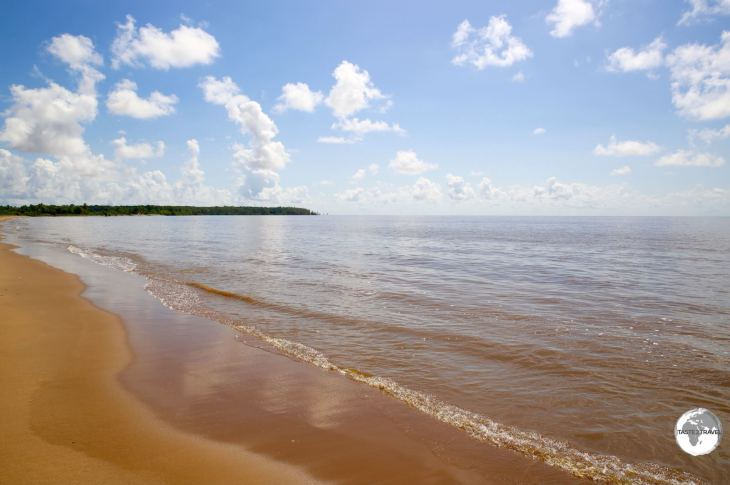 River beach on Leguan island.