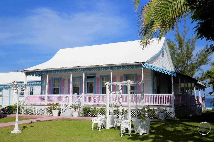 A typical Cayman cottage in George Town.