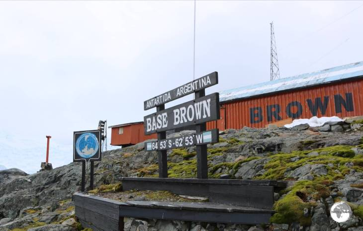 A visit to the Argentine <i>Base Brown</i>, in Paradise bay, allowed us to finally step ashore the continental landmass of Antarctica.