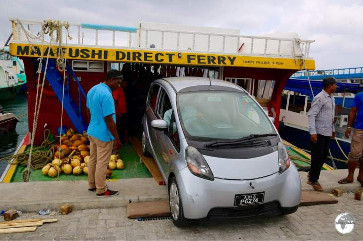 The Maafushi ferry provides freight and passenger services between Malé and Maafushi.