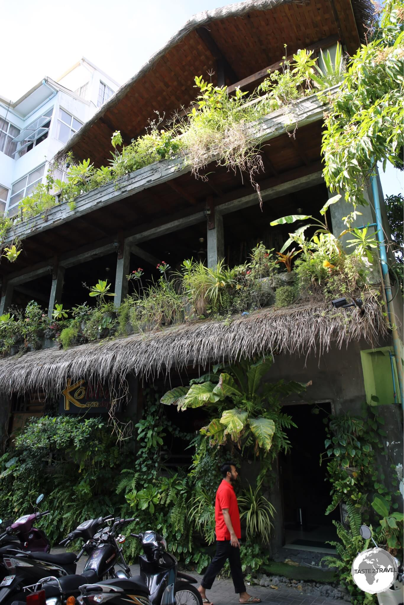 It's hard to miss the green facade of 'Koththu Hut' in downtown Malé.