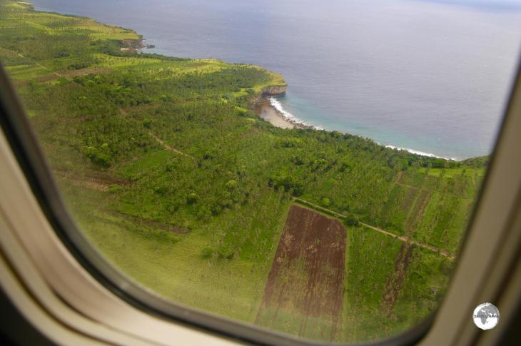 The final approach to Fua'amotu International Airport offers spectacular views of the south coast of Tongatapu.