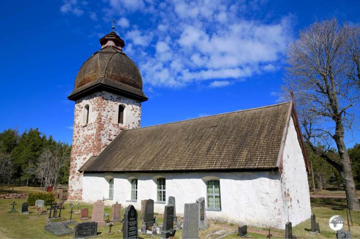 The medieval-era Vårdö church.