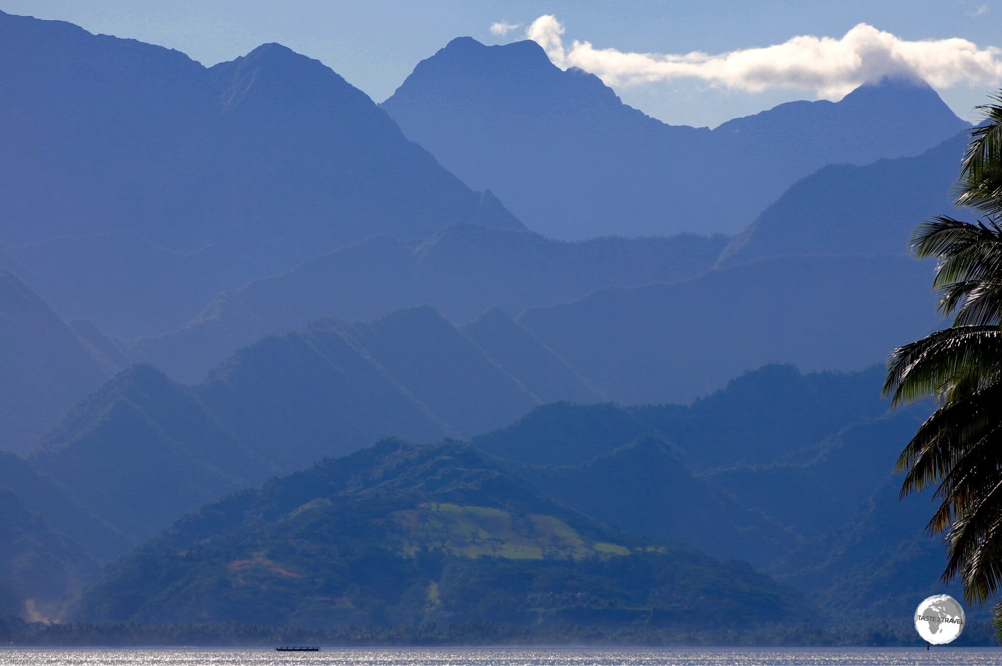 The mountainous, volcanic interior of Tahiti Nui is almost impenetrable.