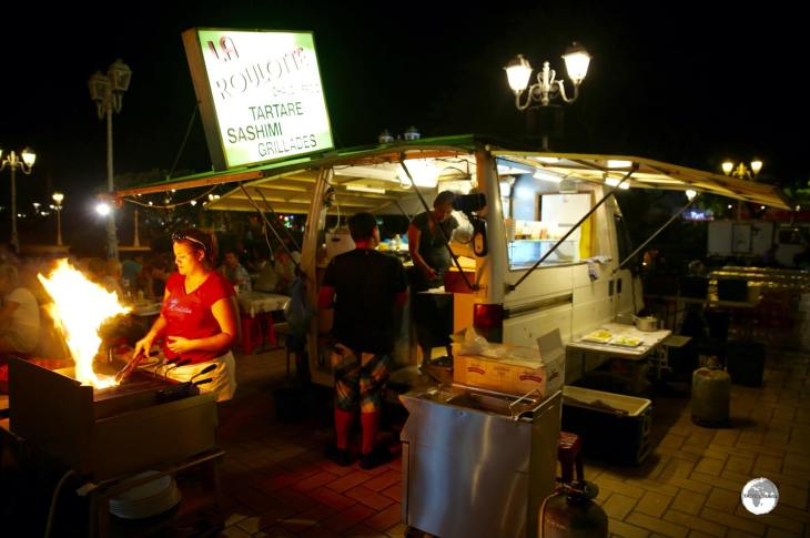 The budget-friendly meals served by the various Roulottes in Papeete each evening are the most popular dining experience in town.