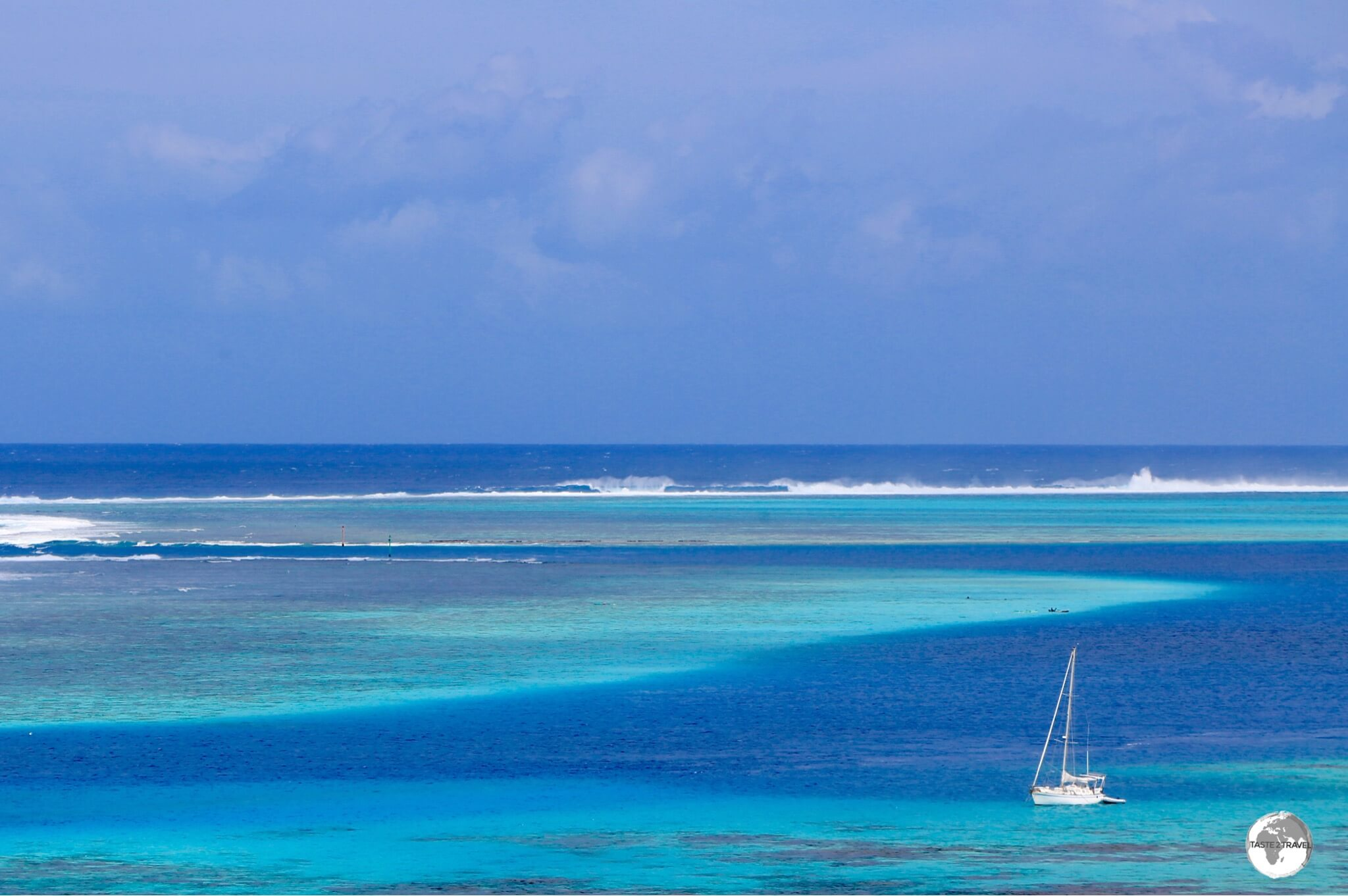 The dazzling blue waters of the Moorea lagoon.