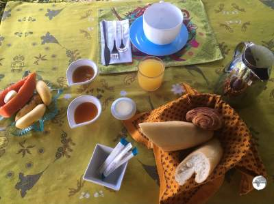 Breakfast at the Linareva Moorea Beach Resort.